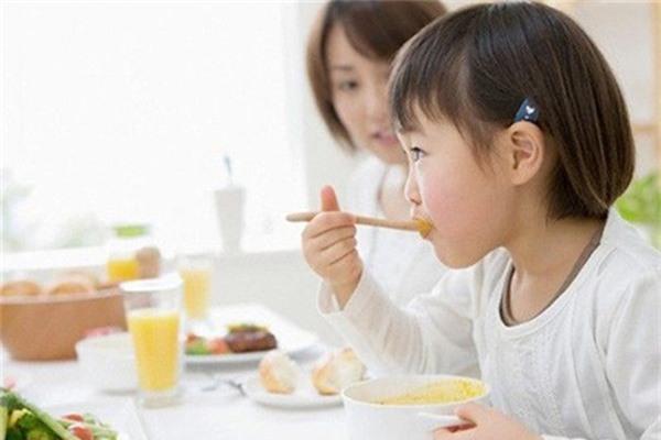 Món ngon cho bé từ 2 đến 4 tuổi đầy đủ dinh dưỡng - Ảnh 3.