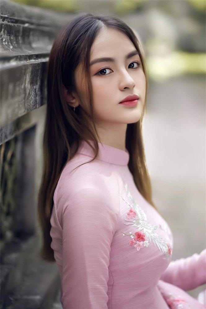 6 nhan sắc sáng giá đầu tiên của Hoa hậu Việt Nam 2020 - Ảnh 8