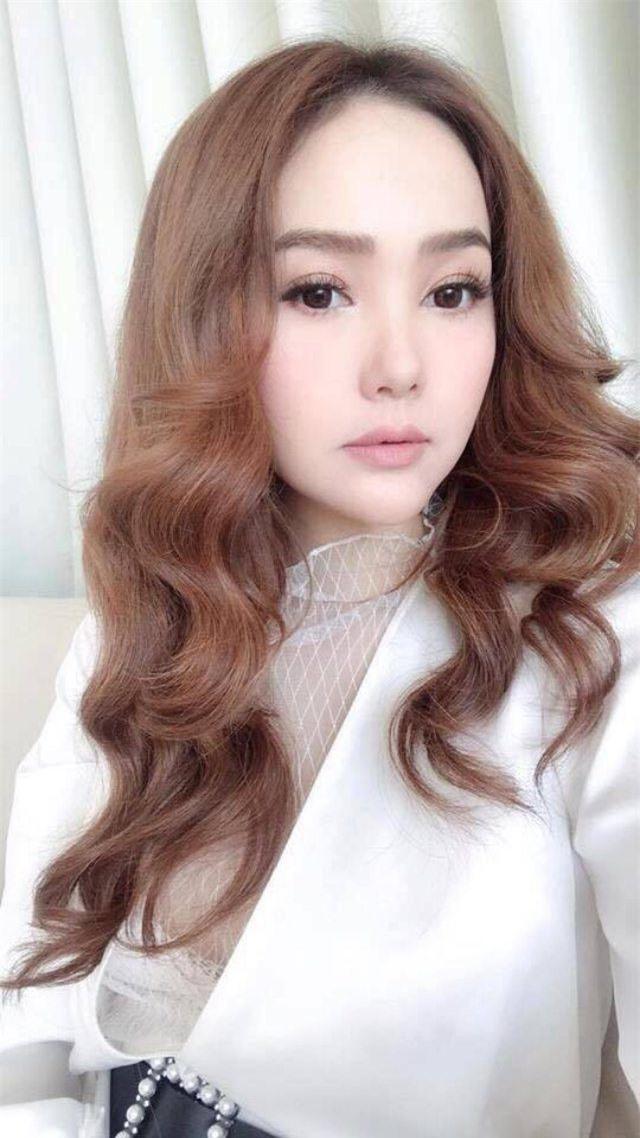 Bị chụp lén, mỹ nhân Việt người đẹp mê hồn, người 'vỡ mộng' bởi cú lừa mang tên photoshop - Ảnh 1