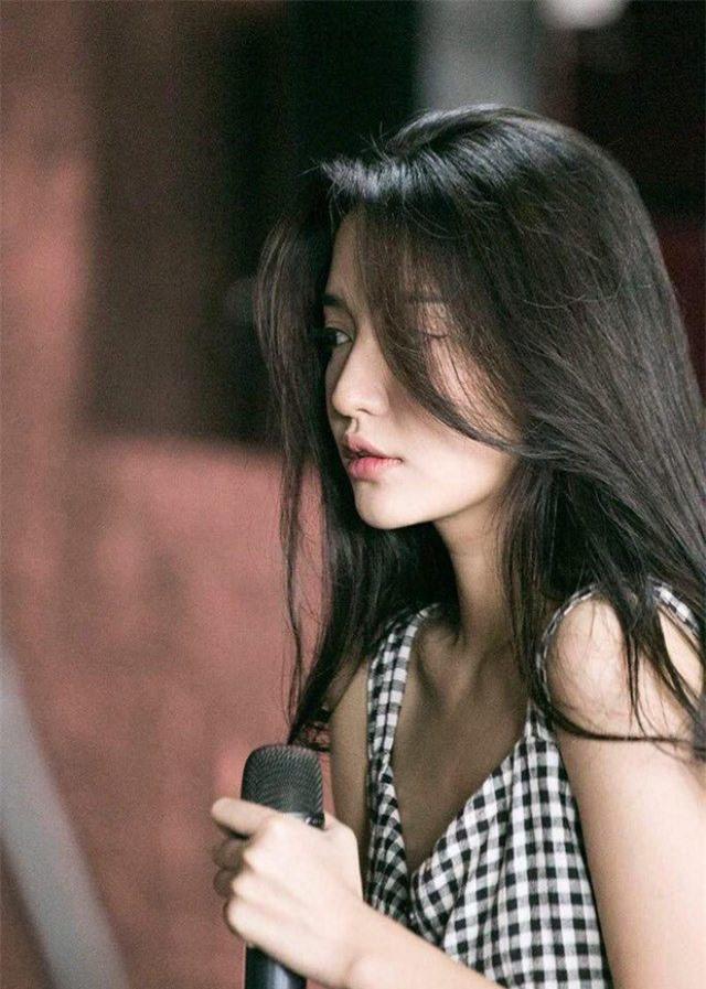 Bị chụp lén, mỹ nhân Việt người đẹp mê hồn, người 'vỡ mộng' bởi cú lừa mang tên photoshop - Ảnh 14