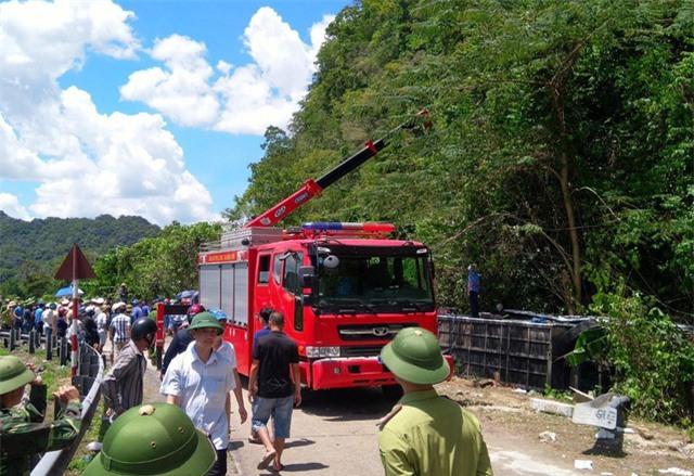 Khẩn trương khắc phục hậu quả, điều tra nguyên nhân vụ TNGT làm 13 người chết tại Quảng Bình - Ảnh 2.