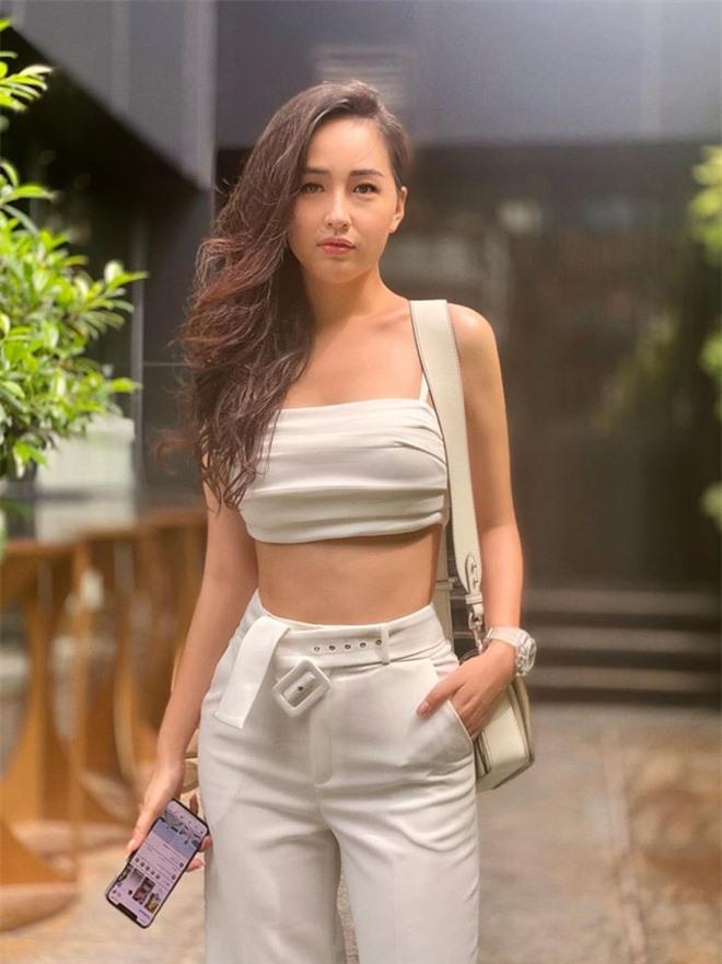 Số đo thay đổi của hoa hậu Việt sau đăng quang - Ảnh 15