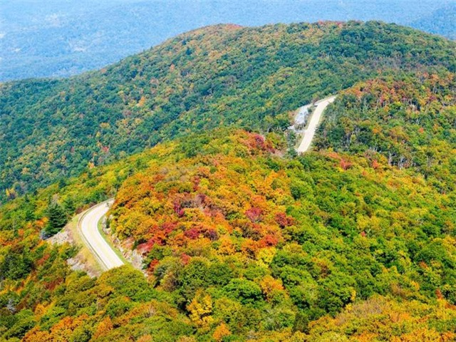Ngất ngây, 10 thung lũng đẹp kỳ ảo đến khó tin - Ảnh 3.