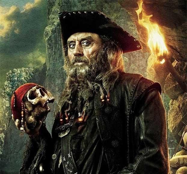 """Cướp biển khét tiếng nhất lịch sử với """"bộ râu cháy"""""""
