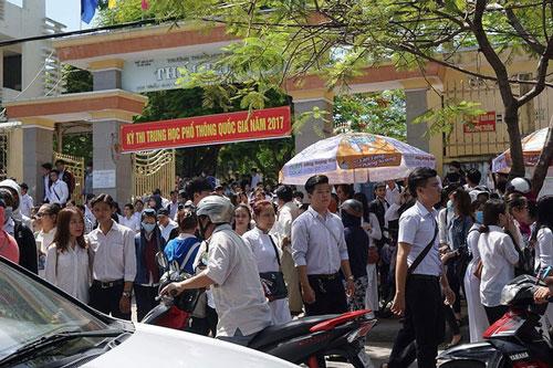 Các thí sinh dự Kỳ thi THPT quốc gia năm 2017 ở Đà Nẵng. Ảnh minh họa: TTXVN