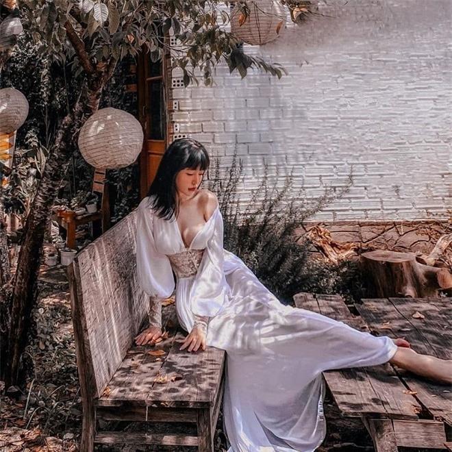 Elly Trần ngoài đời 2
