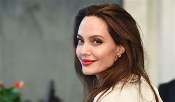 Xôn xao tin Angelina Jolie yêu đồng giới hai mỹ nhân đình đám Hollywood 3