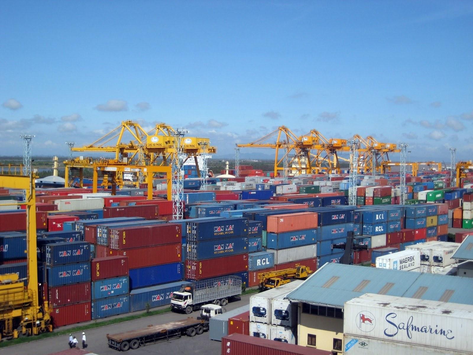 Cục Hải quan TP.HCM đang tiếp tục triển khai nhiều giải pháp tạo thuận lợi cho doanh nghiệp, như: đối thoại, tháo gỡ vướng mắc, thực hiện đề án tạo thuận lợi thương mại tại cảng Cát Lái
