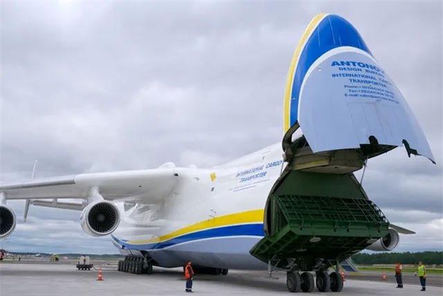 Antonov An-225 liên tục lập những kỷ lục thế giới với khả năng đáng kinh ngạc của mình.