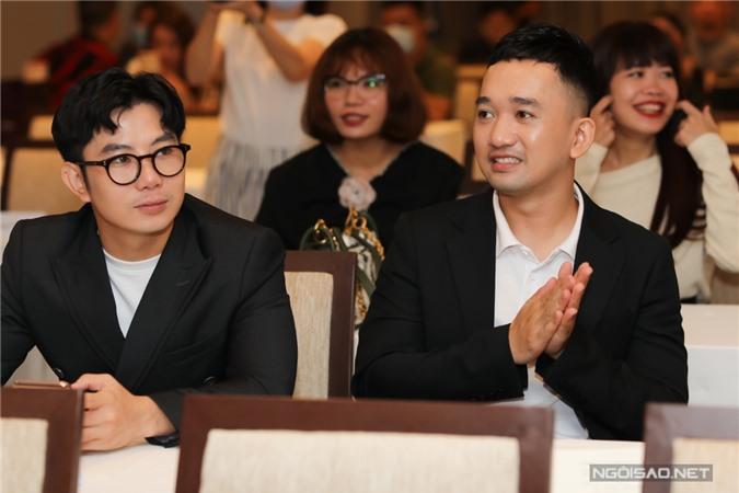 Hai nhà thiết kế Hà Thẩm Tiến (trái) và Lê Ngọc Lâm.