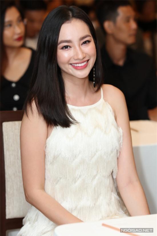 Hoa hậu Trúc Diễm khoe nhan sắc ở tuổi 33. Hiện cô tận hưởng hôn nhân hạnh phúc bên ông xã John Tấn Từ.