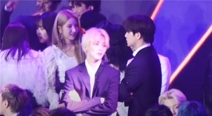 Jeong Han (Seventeen) và So Won (GFriend) bị soi loạt bằng chứng hẹn hò - Ảnh 5