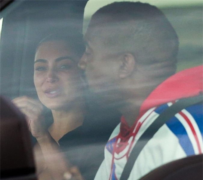 Kim khóc khi gặp chồng sau vụ căng thẳng