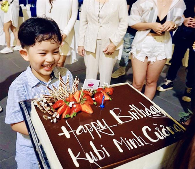 Kubi trong tiệc sinh nhật hôm 17/7.
