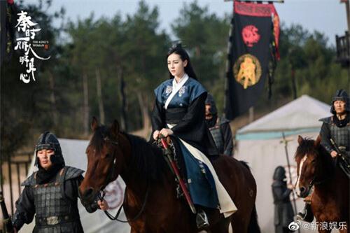 Mỹ nhân Hoa ngữ cưỡi ngựa: Người được khen thanh cao thoát tục như tiên nữ - riêng Địch Lệ Nhiệt Ba bị chê bai tơi tả, dè bỉu không thương tiếc  - Ảnh 1