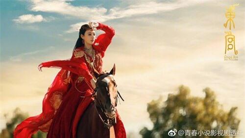 Mỹ nhân Hoa ngữ cưỡi ngựa: Người được khen thanh cao thoát tục như tiên nữ - riêng Địch Lệ Nhiệt Ba bị chê bai tơi tả, dè bỉu không thương tiếc  - Ảnh 2