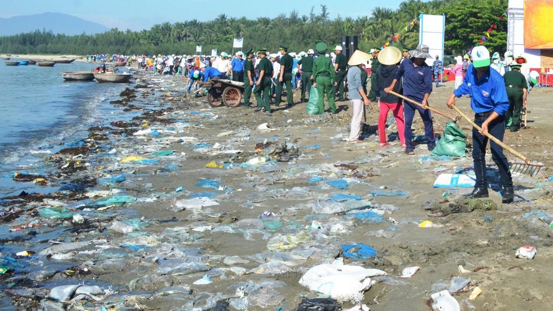 Năm 2030, TP.HCM giảm 75% rác thải nhựa trên biển.