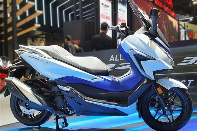 Ra mat Honda Forza 350 - trang bi den phanh khan cap, gia tu 5.499 USD anh 2
