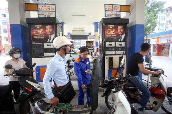 Xăng dầu, điện nước hâm nóng CPI tháng 7 - Ảnh 1.