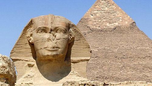 """Tượng """"Đại nhân sư của Giza"""" có lẽ là bức tượng Ai Cập cổ đại mất mũi nổi tiếng nhất. Ảnh: AP"""