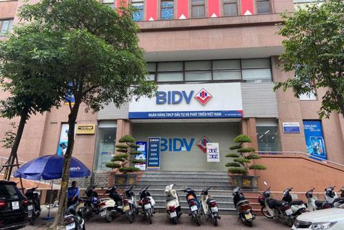 Chi nhánh BIDV tại phố Huỳnh Thúc Kháng - nơi xảy ra vụ cướp.