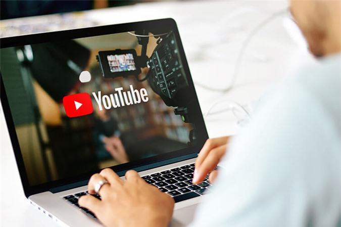 Cách chèn logo bản quyền vào video YouTube