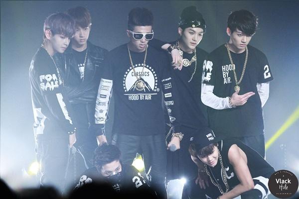 """Mới đây, sau một loạt chiến tích """"khủng"""" của album tiếng Nhật Map Of The Seoul 7 – The Journey, một bài phỏng vấn của BTS năm 2013 bất ngờ hot trở lại trên mạng xã hội khiến ARMY xúc động nhớ lại 7 chàng trai năm ấy, khi họ vẫn chưa biết tương lai nào đang chờ đợi mình phía trước."""