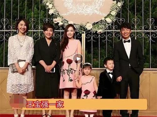Cặp đôi chia tay sau đám cưới của Huỳnh Hiểu Minh 8