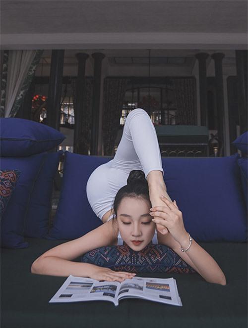 Kitty Bảo Châu sinh năm 2003. Cô từng đoạt giải Miss Teen - Junior Model International 2017 tại Ấn Độ. Khi còn nhỏ Bảo Châu bị béo phì nên được mẹ cho đi tập thể dục thể thao để rèn sức khoẻ và giảm cân. Cô bé là học trò cưng ở trung tâm dancesport của Khánh Thi. Năm 2015 Bảo Châu từng thi Bước nhảy Hoàn vũ nhí và lọt vào top 12. Trong nhiều năm Bảo Châu là gương mặt mẫu nhí quen thuộc trong các show thời trang trẻ em và những cuộc thi dancesport.