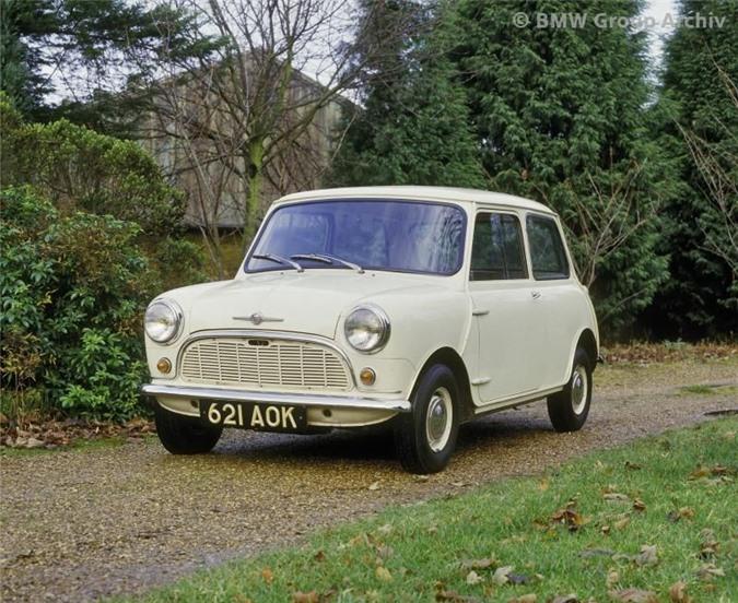 Mẫu Mini 850 thời 1959 chỉ nặng 580kg.
