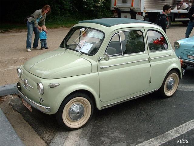 Mang tên Fiat 500 bởi chiếc xe này nặng xấp xỉ 500kg.