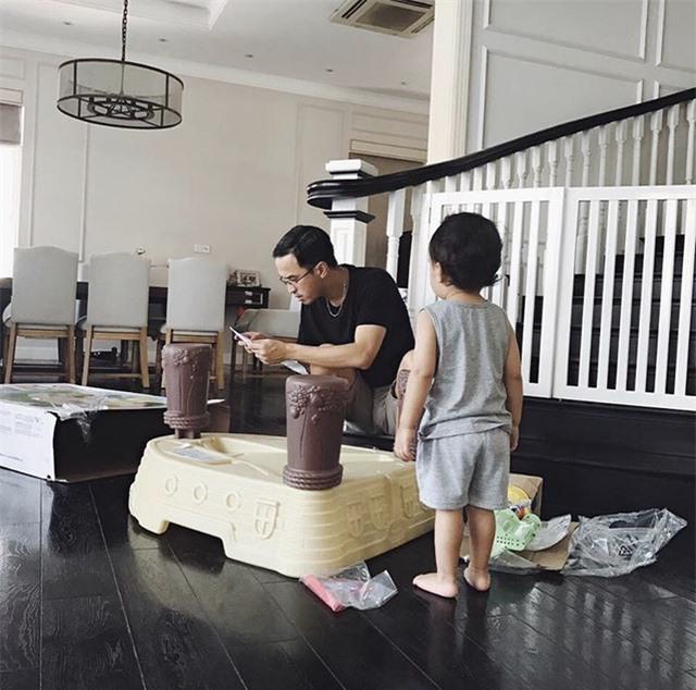 Tăng Thanh Hà khoe ảnh gia đình ấm áp - Ảnh 3.