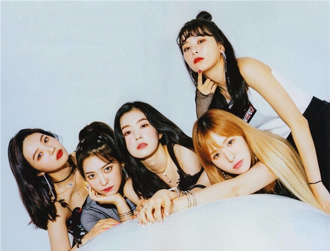 4 nhóm nhạc Kpop 'nhìn ai cũng thành visual' - Ảnh 2