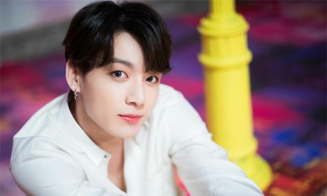 Jungkook (BTS) được chọn làm em út tuyệt vời nhất K-Pop năm 2020 - Ảnh 1.