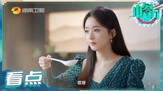 Triệu Lệ Dĩnh quay show Nhà hàng Trung Hoa mùa 4.