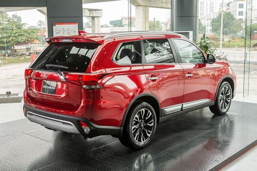 Cận cảnh đối thủ của Mazda CX-5, Honda CRV, giá hơn 1 tỷ đồng tại Việt Nam