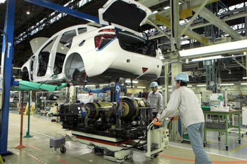 Toyota cắt giảm sản xuất 15.000 xe mới trong tháng 8.