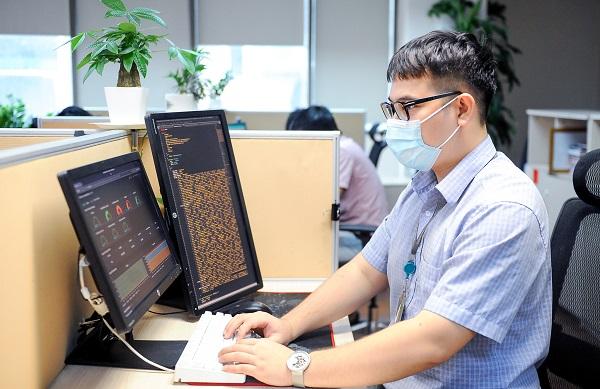 Kê khai y tế trực tuyến tăng đột biến tới 28 lần so với tuần trước