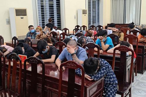 Đồng Nai: 23 thanh niên 'mở tiệc' ma túy bấp chấp phòng chống dịch Covid-19