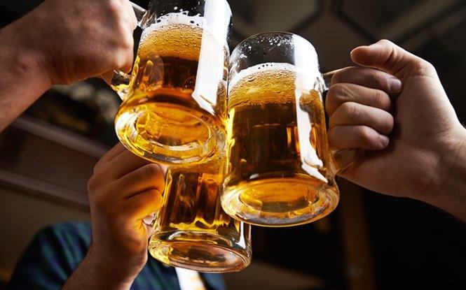 Uống bia theo đúng cách này ngừa được ung thư, phòng bệnh tim, không lo sỏi thận và tốt cho xương khớp