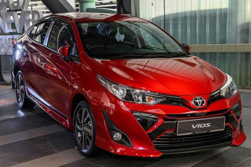 XE HOT (3/8): Bảng giá xe Toyota tháng 8, Kia Morning giảm giá 'kịch sàn'