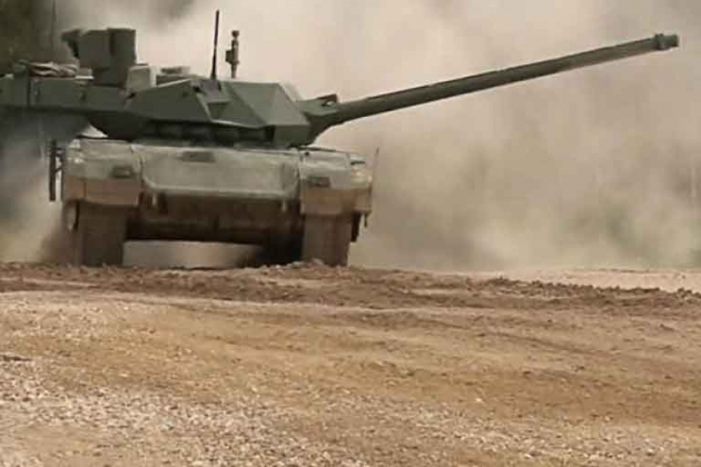 Bộ trưởng Công Thương Nga cho rằng các vấn đề đối với xe tăng T-14 Armata đã được khắc phục toàn bộ. Ảnh: TASS.