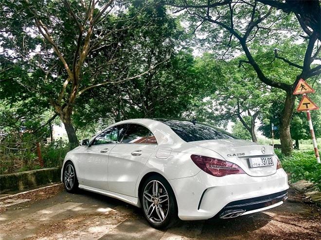 Chuẩn bị sinh con cho chồng trẻ, ca sĩ Thu Thủy rao bán xế hộp Mercedes-Benz 3