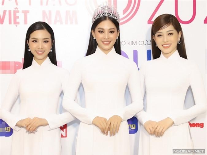 Top 3 Hoa hậu Việt Nam 2018: á hậu 2 Thuý An, hoa hậu Trần Tiểu Vy, á hậu 1 Phương Nga.