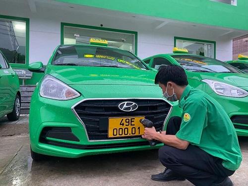 Taxi Mai Linh chuyển đổi sang biển kiểm soát màu vàng