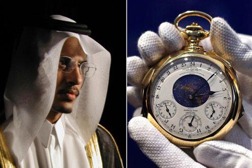 Hoàng thân Saud bin Mohammed Al-Thani và đồng hồ đắt nhất thế giới mà ông từng sở hữu. Ảnh: Miror
