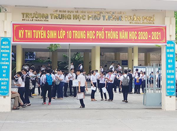 Các em học sinh Đà Nẵng tham dự kỳ thi tuyển sinh lớp 10 năm học 2020 - 2021