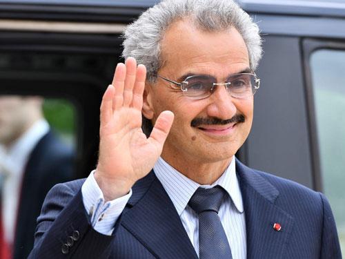 1. Alwaleed bin Talal Al Saud (Saudi Arabia). Nhà sáng lập Kingdom Holding, công ty đầu tư nắm giữ cổ phần tại nhiều bất động sản, khách sạn và doanh nghiệp tại Mỹ, châu Âu và Trung Đông, (tổng tài sản: 14,3 tỷ USD). Ảnh: Getty Images.