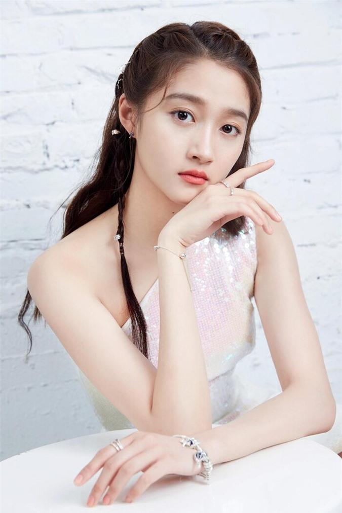 Ba nữ nghệ sĩ trẻ nổi tiếng nhất của trường Bắc Ảnh: Lưu Diệc Phi nổi tiếng khi còn trẻ, Trịnh Sảng trở thành 'Nữ hoàng top tìm kiếm' - Ảnh 7
