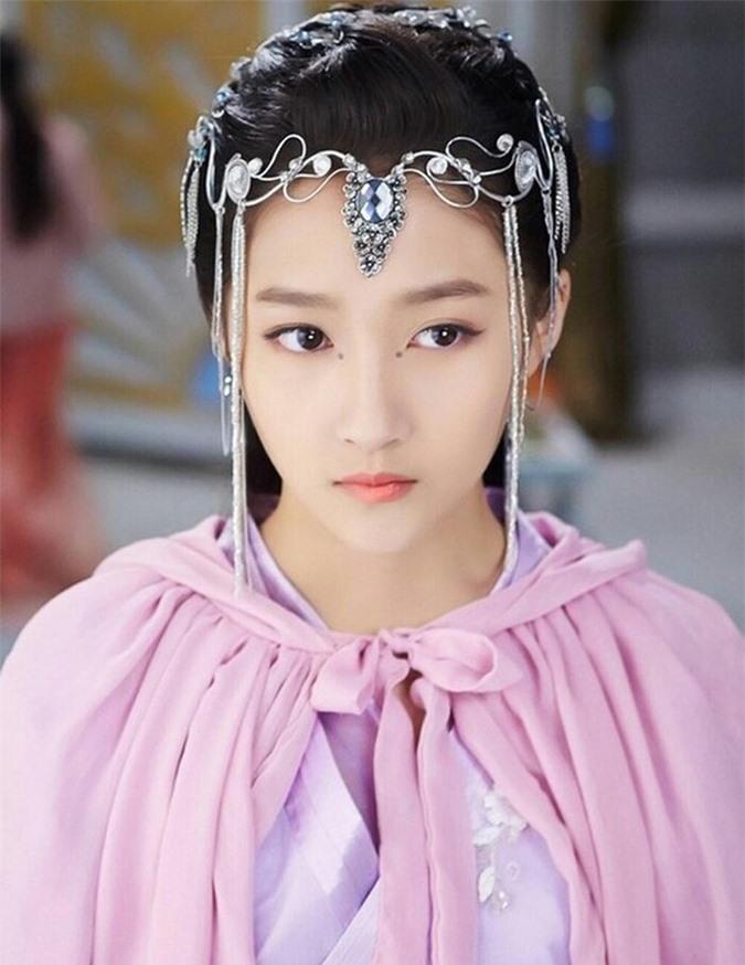 Ba nữ nghệ sĩ trẻ nổi tiếng nhất của trường Bắc Ảnh: Lưu Diệc Phi nổi tiếng khi còn trẻ, Trịnh Sảng trở thành 'Nữ hoàng top tìm kiếm' - Ảnh 9